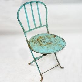 Chaise pliante en fer dossier lyre