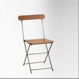 Chaise en fer et lattes de bois