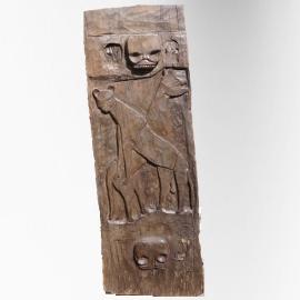 Panneau sculpté Naga décor yènes, tête de mort