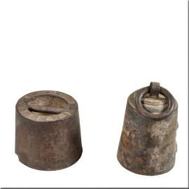 Poids en fonte de fer avec blason