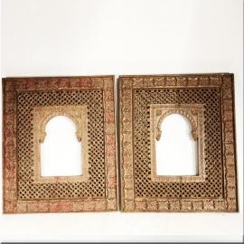Cadres orientalistes en bois sculpté (Paire de)
