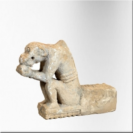 Stone seated monkey XVIIIème century