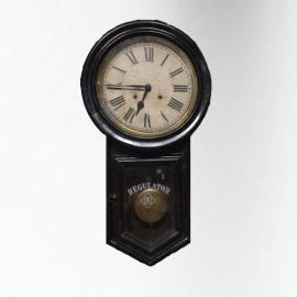 Coloniale black lacquered clock
