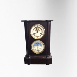 Black lacquered clock with moon phasis 19th C