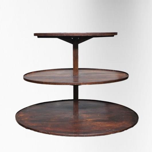 Table présentoire à 3 plateaux ovales