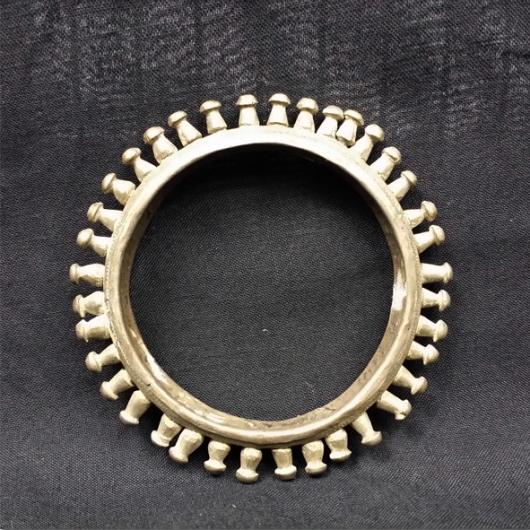 Bracelet étroit en argent massif