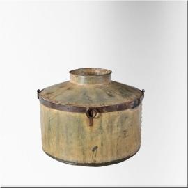 Bidon réservoire en fer riveté à col