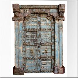 Porte indienne en teck laquée bleue