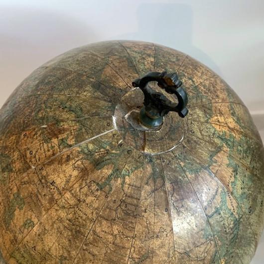 Globe terrestre début XXème S. par l'Institut National de Géographie à Bruxelles
