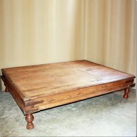 Table basse en teck XIXème S. (grand modèle)