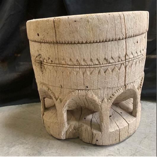 Mortier en bois blanchi