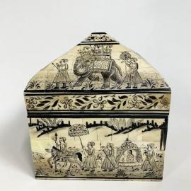 Coffret moghol en os de chameau et peinture