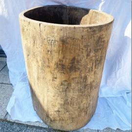 Tronc Naga creusé en bois