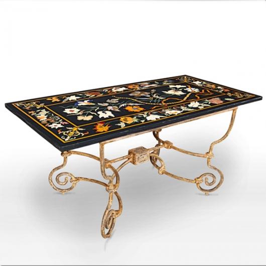 Table rectangulaire en marbre et marqueterie pied en fer