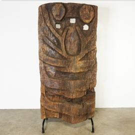 Panneau Naga en bois sculpté