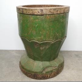 Mortier en bois laqué vert