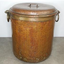 Chaudron en cuivre avec couvercle